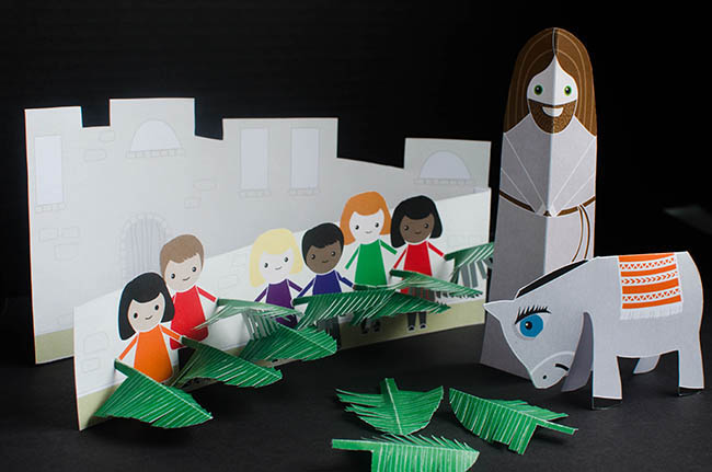 Palm Sunday paper craft of Jesus, donkey, and palms | From www.paperloving.com